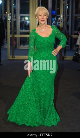 """Berlin, Deutschland. 9. Februar 2015. Britische Schauspielerin Helen Mirren kommt für das Screening von """"Frau in - Stockfoto"""