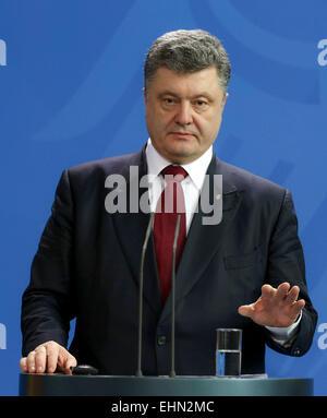 Berlin, Deutschland. 16. März 2015. Präsident der Ukraine Petro Poroshenko gibt eine Pressekonferenz nach einem - Stockfoto