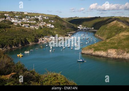 Einlass und River Solva, Solva, St. Brides Bay, Pembrokeshire, Wales, Vereinigtes Königreich, Europa - Stockfoto