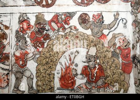 Wandmalereien Ramayana und Mahabharat an Decke im Chennakeshavaraya-Tempel; Adiyamankottai in der Nähe von Dharmapuri - Stockfoto