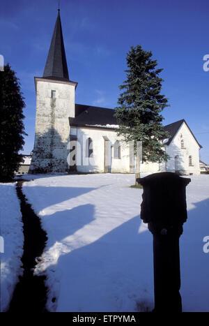 BEL, Belgien, Eastbelgium, der St. Lambertus Kirche in Manderfeld in der Nähe von Buellingen.  BEL, Belgien, Ostbelgien, - Stockfoto
