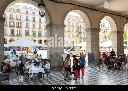 Taverna Cataluna Restaurant in Plaça De La Independència, Old Town, Girona (Gerona), Provinz Girona, Katalonien, - Stockfoto