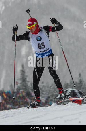 Ruhpolding, Deutschland. 13. Januar 2016. Schweizer Biathletin Jeremy Finello in Aktion während der Mens 20km-Rennen - Stockfoto