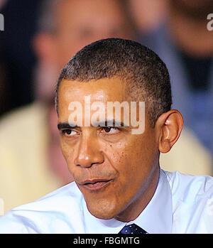 Liberty, Missouri, USA, 20. Juli 2013 Präsident Barak Obama bei der neuen Ford-Stamping plant Credit: Mark Reinstein - Stockfoto
