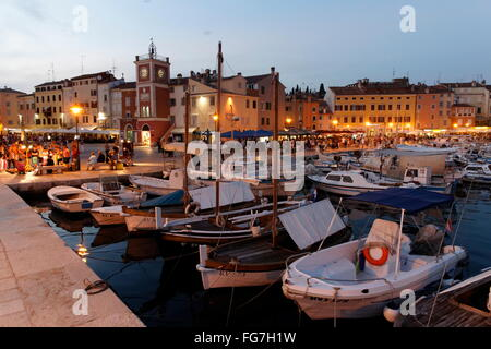 Geographie/Reisen, Kroatien, Istrien, Rovinj, Hafen am Abend - Additional-Rights Clearance-Info - Not-Available - Stockfoto