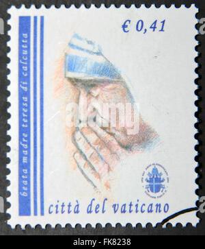 Vatikanstadt - CIRCA 2003: eine Briefmarke in Vatikanstadt zeigt Mutter Teresa, circa 2003 gedruckt. - Stockfoto