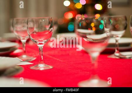 Weihnachtstisch für Urlaub in Familie rot - Stockfoto