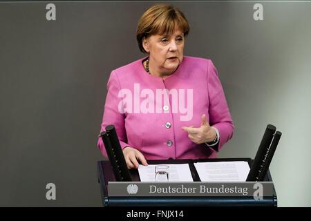 Berlin, Deutschland. 16. März 2016. Bundeskanzlerin Angela Merkel spricht über den bevorstehenden G7-Gipfel während - Stockfoto