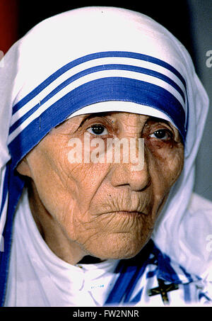 Washington, DC, USA, 10. Juli 1986 Mutter Teresa befasst sich mit der National Council for International Health - Stockfoto