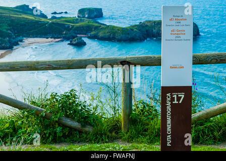 Aussichtspunkt über dem Strand Torimbia. Strecke Film, Position 17. Niembro, LLanes, Asturien, Spanien - Stockfoto