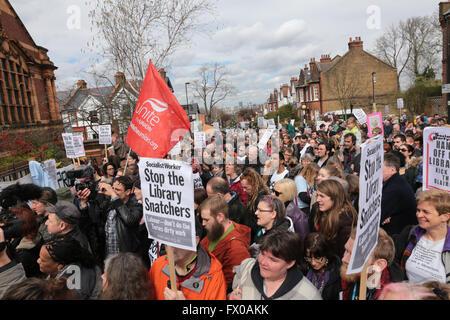 Lambeth, London, UK. 9. April 2016. Verteidigen Sie den zehn Protestmarsch gegen die vorgeschlagenen Änderungen - Stockfoto