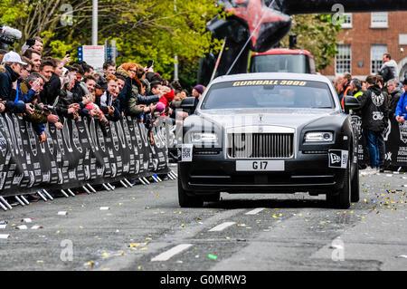 DUBLIN, Irland. 01.MAI 2016 - ein Rolls Royce beginnt auf einer 6-tägigen Fahrt von Bucharest aus Dublin als Teil - Stockfoto