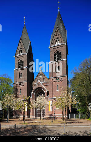 Katholische Pfarrkirche St. Lambertus, Backsteinbasilika in Nettetal-Innenhafen, Niederrhein, Nordrhein-Westfalen - Stockfoto