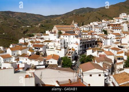 Dorf von El Borge in die Berge der Axarquia. Provinz Malaga. Andalusien. Süd-Spanien-Europa - Stockfoto