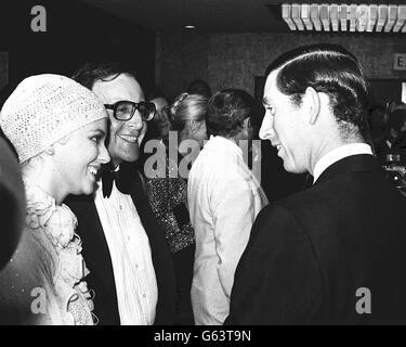 Prinz Charles trifft Peter Sellers - Stockfoto