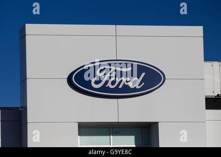 Kingston, Ontario, Kanada. 5. Januar 2016. Das Ford-Autohaus in Kingston, Ontario, auf Dienstag, 5. Januar 2016. - Stockfoto