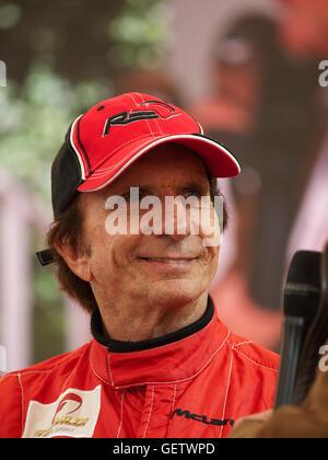 2016 Goodwood Festival of Speed UK - Emerson Fittipaldi sprechen auf dem McLaren-stand - Stockfoto