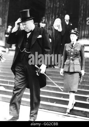 London, Winston Churchill ließ St. Pauls Cathedral mit Tochter Sarah, nach dem Gottesdienst im Gedenken an Präsident - Stockfoto