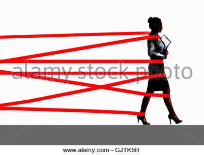 Geschäftsfrau zurückgehalten durch die Bürokratie - Stockfoto