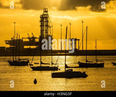 Las Palmas, Gran Canaria, Kanarische Inseln, Spanien. 11. Oktober 2016. Wetter: Yachten starten ankommen für die - Stockfoto