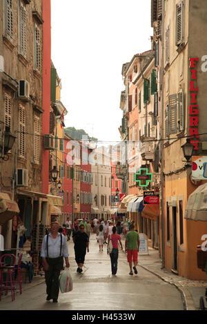 Kroatien, Istrien, Rovinj, Old Town, Lane, Tourist, Europa, Reiseziel, Stadt, Häuser, Gebäude, Geschäfte, Innenstadt, - Stockfoto