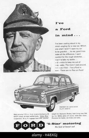 Anzeige für das Ford Prefect De Luxe Auto aus einer Motorsport-Magazin im Jahr 1957. - Stockfoto