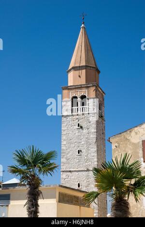 Glockenturm der Pfarrkirche St. Maria, Novigrad, Istrien, Kroatien, Europa - Stockfoto