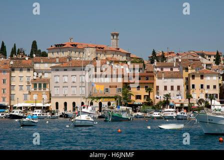Hafen und Altstadt, Rovinj, Istrien, Kroatien, Europa - Stockfoto
