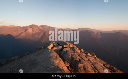 Moro Rock Mountain in das Abendlicht - Stockfoto