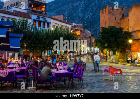 Cafés und Restaurants In Plaza Uta el-Hamam, Chefchaouen, Marokko - Stockfoto