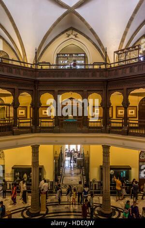 Innenraum der Chhatrapati Shivaji Maharaj Vastu Sangrahalaya, Mumbai, Indien - Stockfoto