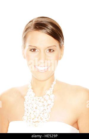 Junge Frau, 24 Jahre, im Hochzeits-outfit - Stockfoto