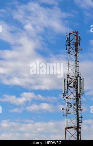 zelluläre Repeter Turm für 2g, 3g und 4g Getriebe - GSM - Stockfoto