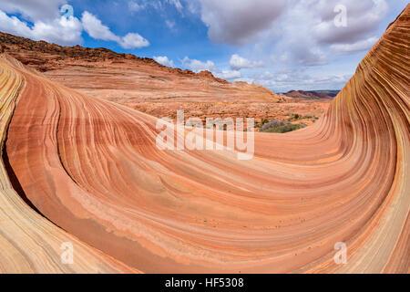 Big-Wave - Weitwinkelaufnahme einer großen Sandstein-Welle auf die Welle, eine dramatische erosive Sandstein-Felsformation, - Stockfoto