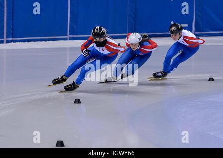 Turin, Italien. 12. Januar 2017. Alica Porubská, Oliver Ringer, Sandra Trusova in Aktion während der nationalen - Stockfoto