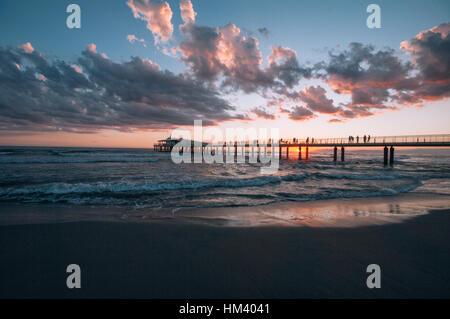 Pier von Lido di Camaiore im Abendlicht, Versilia, Riviera, Toskana, Italien, Europa - Stockfoto