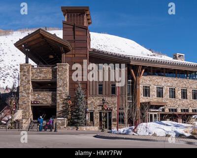 Parkplatz Struktur, Lionshead, Winter, Vail Ski Resort, Vail, Colorado. - Stockfoto