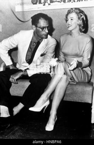 ARTHUR MILLER & MARILYN MONROE 16. August 1957 - Stockfoto