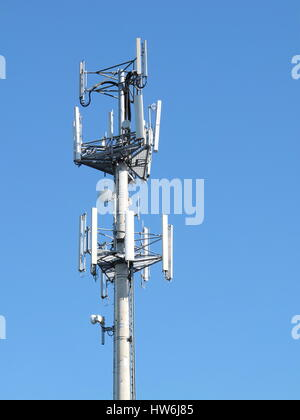 Telekommunikation Handy-Turm mit Antennen, Melbourne 2016 - Stockfoto