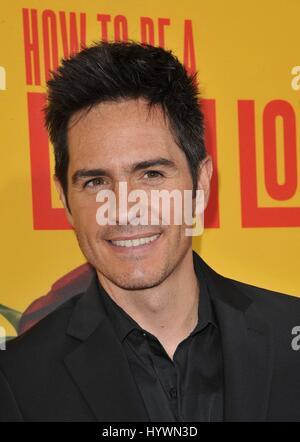Los Angeles, CA, USA. 26. April 2017. Mauricio Ochmann im Ankunftsbereich für wie zu BE A LATIN LOVER Premiere, - Stockfoto