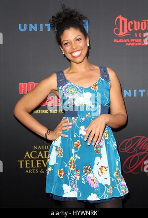 Hollywood, CA, USA. 26. April 2017.  Karla Mosley. Daytime Emmy Awards nominiert Rezeption statt auf der Hollywood - Stockfoto
