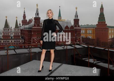 Moskau, Russland. 27. April 2017. Französische Schauspielerin Pom Klementieff stellt bei einem Fototermin auf dem - Stockfoto