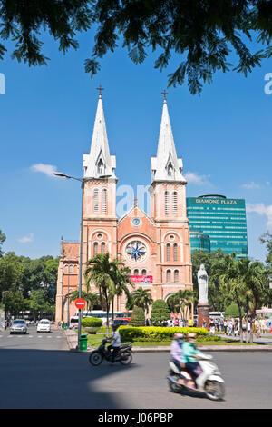 Senkrechten Blick auf die Kathedrale Notre Dame in Ho-Chi-Minh-Stadt, HCMC, Vietnam. - Stockfoto
