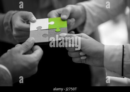 Menschen Jigsaw Puzzle Zusammenarbeit Team Geschäftskonzept - Stockfoto
