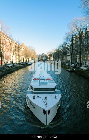 Klassische Kanal Kreuzer in Amsterdam - Stockfoto