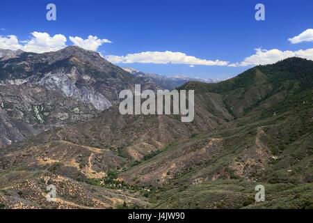 Berge und Täler im Sequoia National Forest - Stockfoto