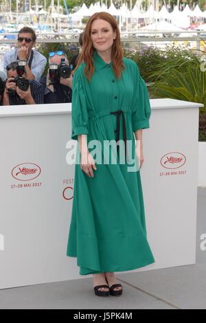 """11. Mai 2016 - Cannes, Frankreich - CANNES, Frankreich - Mai 18: Julianne Moore besucht Vorstandskollegen """"Fototermin - Stockfoto"""