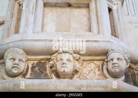 Geformte Köpfe, auf Seite des Sveti Jakov, Kathedrale von Saint James, alte Stadt, Sibenik, Dalmatien, Kroatien - Stockfoto