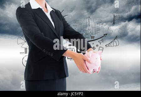 Zusammengesetztes Bild der blonden Geschäftsfrau hält Sparschwein - Stockfoto