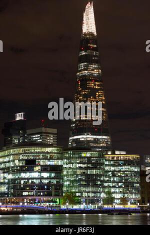 Der Shard und mehr London in der Nacht - Stockfoto